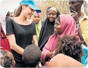 Angelina Jolie dans le camp de réfugié