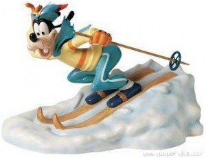 Dingo fait du ski