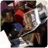 Signature du livre de JR à Kibera (Kenya)